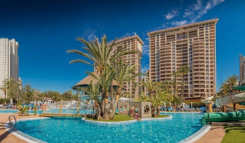 Бассейн-озеро Апарт-отель magic tropical splash бенидорме