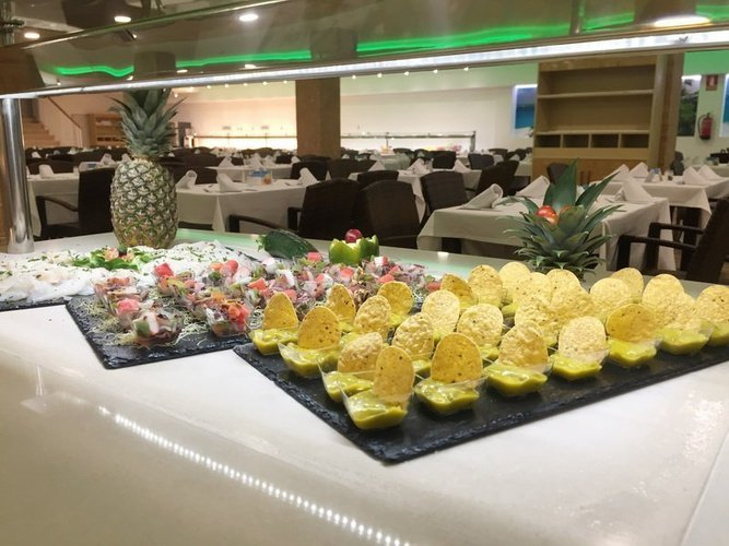 Шведский стол в ресторане 'caribe' Апарт-отель magic tropical splash бенидорме